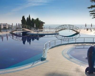 Отдых в Крыму в отелях Алушты.